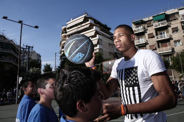 Antetokoumpo brothers, currently playing at the NBA basketball league, organise a friendly match at the neighbourhood where they grew up, in Sepolia, Athens, on May 12, 2015 / Τα αδέλφι Αντετοκούμπο, που αγωνίζονται στο πρωτάθλημα μπάσκετ του NBA, οργάνωσαν έναν φιλικό αγώνα στη γειτονιά όπου μεγάλωσαν, στα Σεπόλια, 12 Μαΐου, 2015